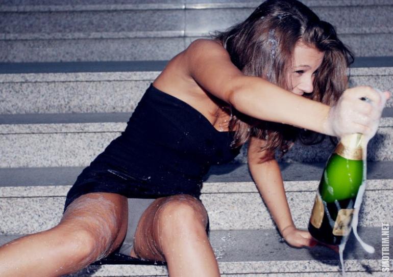 Показать фото и видео пьяных женщин, порно уговаривают девушек ебать за деньги