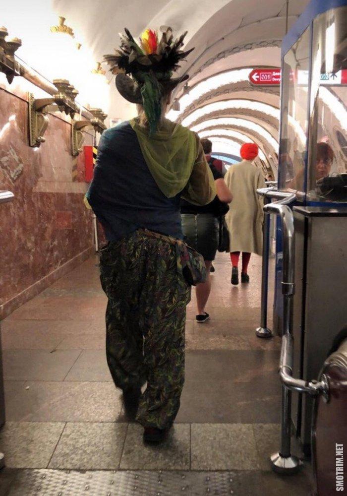 смешная стрелочница метро картинки представленном макете можно